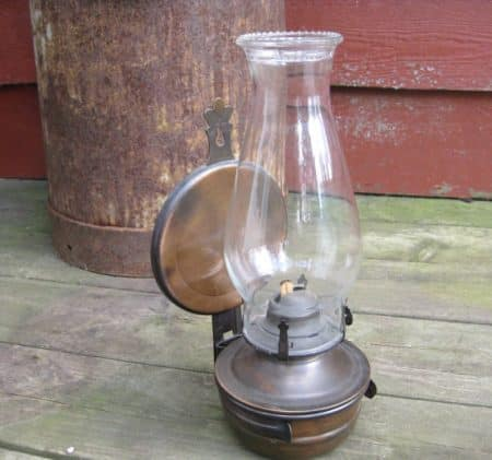 Lampe ancienne à l'huile